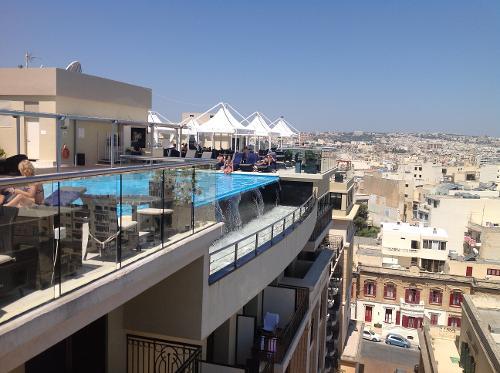 Book the victoria hotel sliema malta for Hotels malte