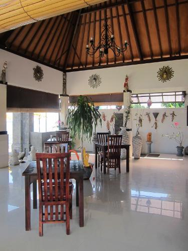 Buleleng Indonesia  City pictures : Kelapa Lovina Beach Villas, Buleleng, Indonesia : Hotel en Buleleng ...