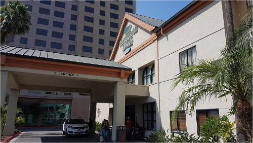Homewood Suites By Hilton Anaheim Main Gate Area In Garden