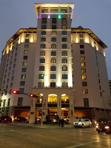 book hotel contessa luxury suites on the riverwalk san. Black Bedroom Furniture Sets. Home Design Ideas