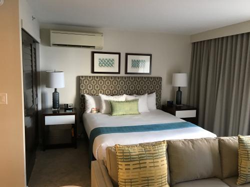 book ilikai hotel luxury suites honolulu hawaii. Black Bedroom Furniture Sets. Home Design Ideas