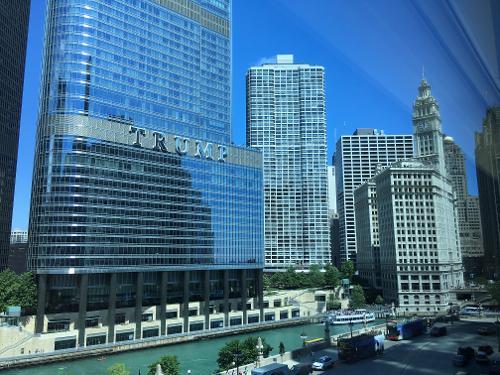 Wyndham grand chicago riverfront en chicago for Hoteles en chicago