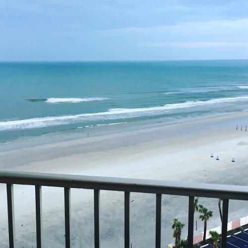 North Daytona Beach Hotels: Book Ocean Breeze Club Hotel, Daytona Beach From $69/night