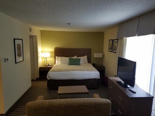 book hawthorn suites by wyndham atlanta perimeter center. Black Bedroom Furniture Sets. Home Design Ideas