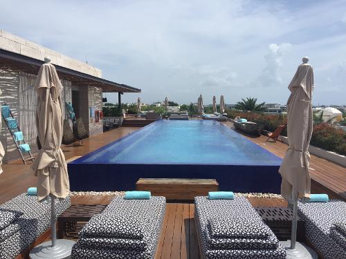 Hotel Ho Aqua Room Review