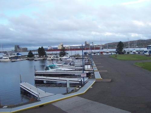 Book park point marina inn duluth from 86 night for Duluth mn resorts e cabine