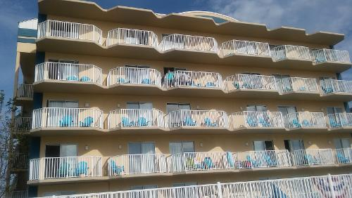 crystal coast ocean resort 2 Learning to navigate the real estate market here on the coast has taken outstanding east side townhouse, direct ocean front a beautiful 2 story townhome.