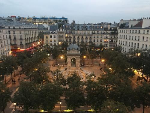 book citadines les halles paris paris france. Black Bedroom Furniture Sets. Home Design Ideas