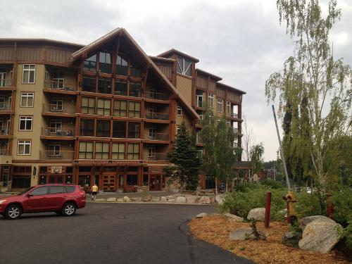 Book Schweitzer Mountain Resort Selkirk Lodge Sandpoint