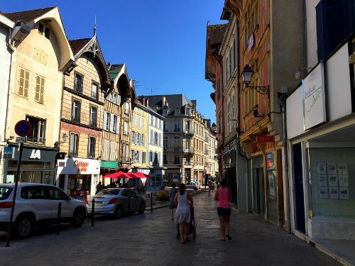 H tel les comtes de champagne centre historique in troyes for Hotels troyes