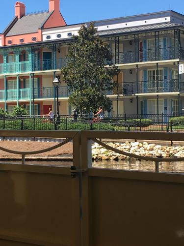 Book disney 39 s port orleans resort french quarter lake for Hotel porte orleans