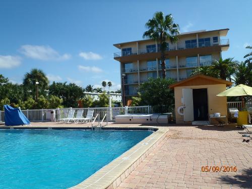 Howard Johnson St Petersburg Beach Resort