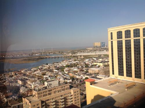Tropicana casino & resort 2831 boardwalk atlantic city nj 08401
