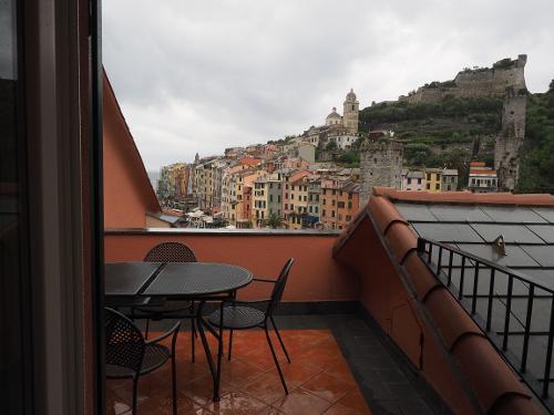 book grand hotel portovenere portovenere italy. Black Bedroom Furniture Sets. Home Design Ideas
